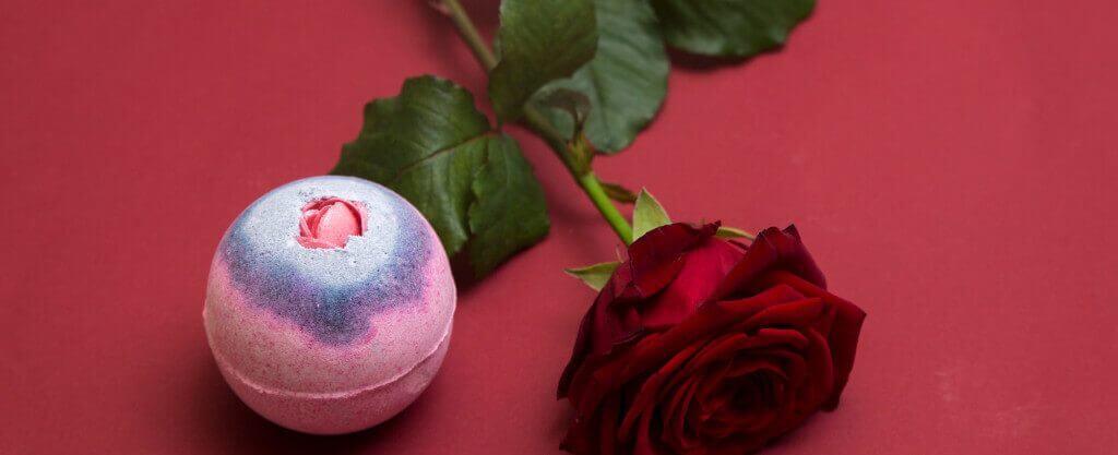Rezept um Badekugeln selber zu machen mit Rosen